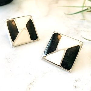 ✨2 for $30✨ Vintage laquered earrings
